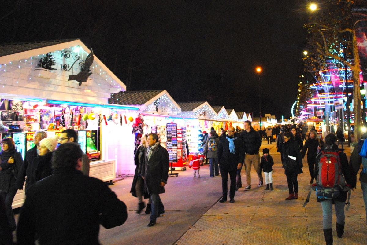 Champs Elysees Christmas Market Marche De Noel This