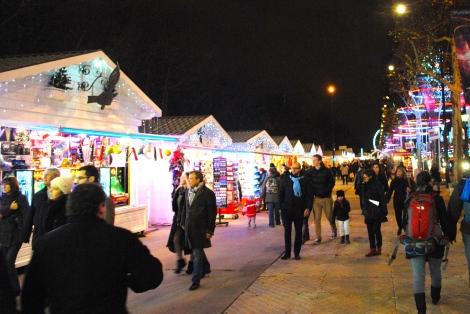 Champs Elysées Christmas Market  Marché de Noël