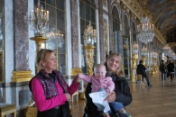Three ladies in the Hall of Mirrors