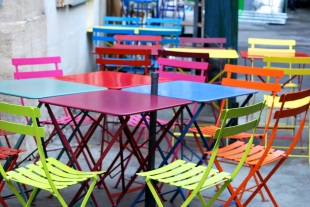The best dining atmosphere at Marché des Enfants Rouges!