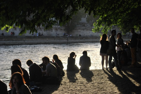 Enjoying the Banks of the Seine from the Ile de la Cité
